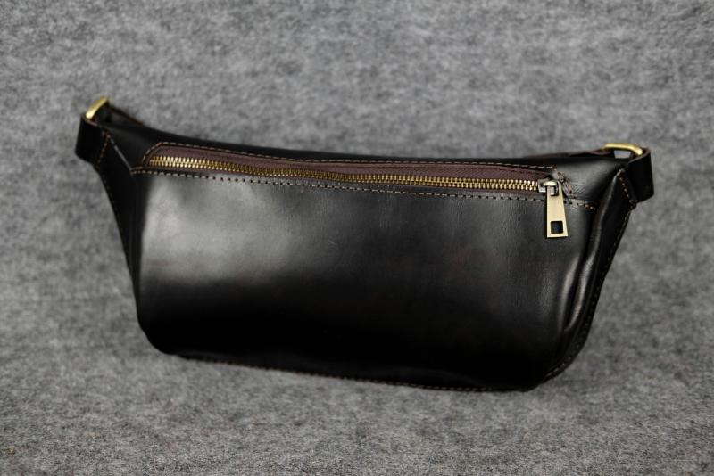 шкіряна сумка бананка